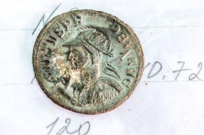 سکه های برنزی رم باستان که در تحقیقات گورستان کیل دره در نزدیکی سواستاپل کشف شد