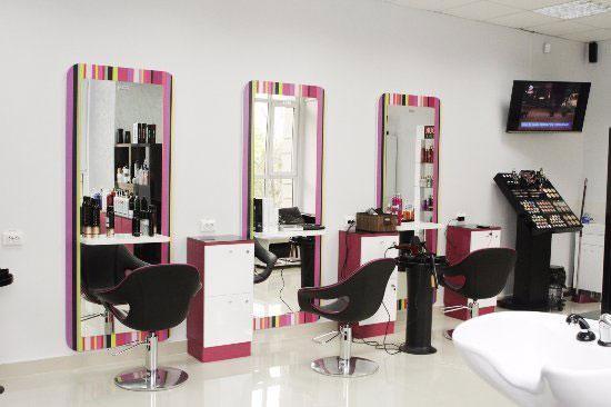 بهترین آموزشگاه آرایشگری در تهران چه ویژگی هایی دارد؟