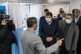 بازدید محمد مخبر، رییس ستاد اجرایی فرمان امام(ره) از بزرگترین بیمارستان سیار کشور