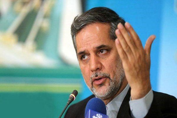 نقوی حسینی: بهتر است نامزدهای اصولگرا کنار نروند