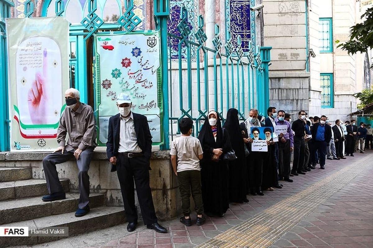 عکس حسینیه ارشاد تهران - صف مردم برای رایدادن