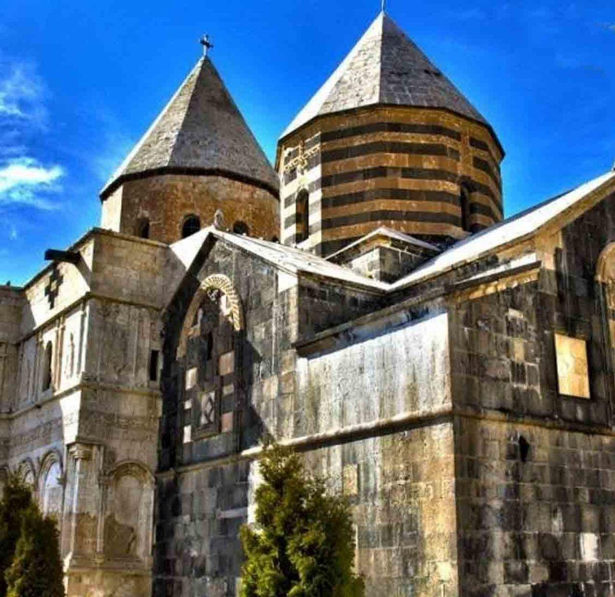 تصویر کلیسای سیاه مقبره یکی از حواریون در آذربایجان غربی