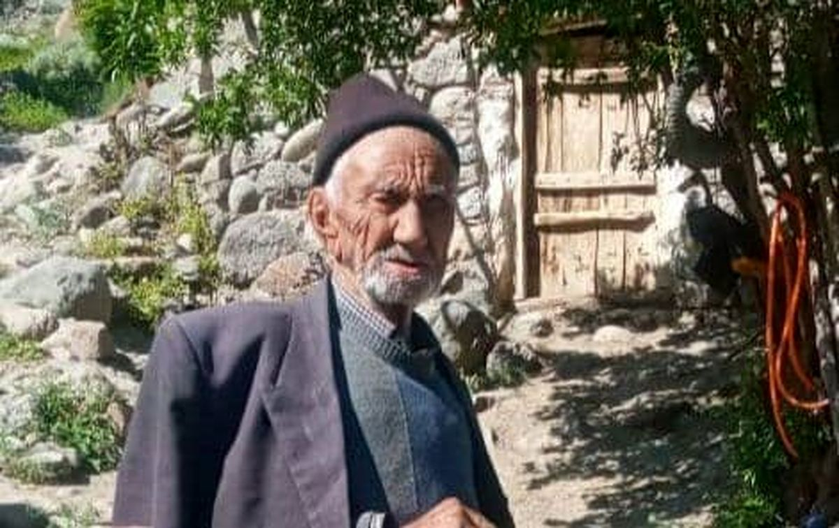 عکس پیرترین مرد ایران با 134 سال سن که واکسن کرونا زد