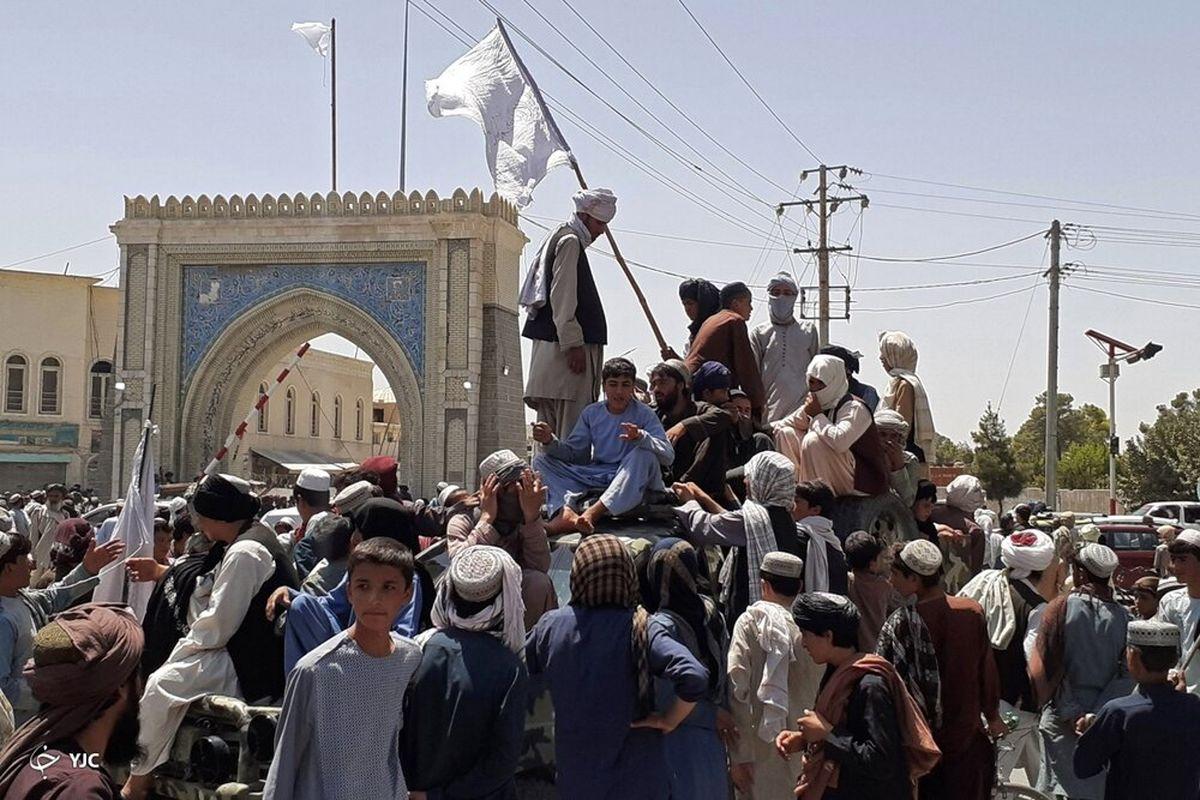 جشن پیروزی هواداران طالبان در مشهد! | در مشهد چه خبر است؟