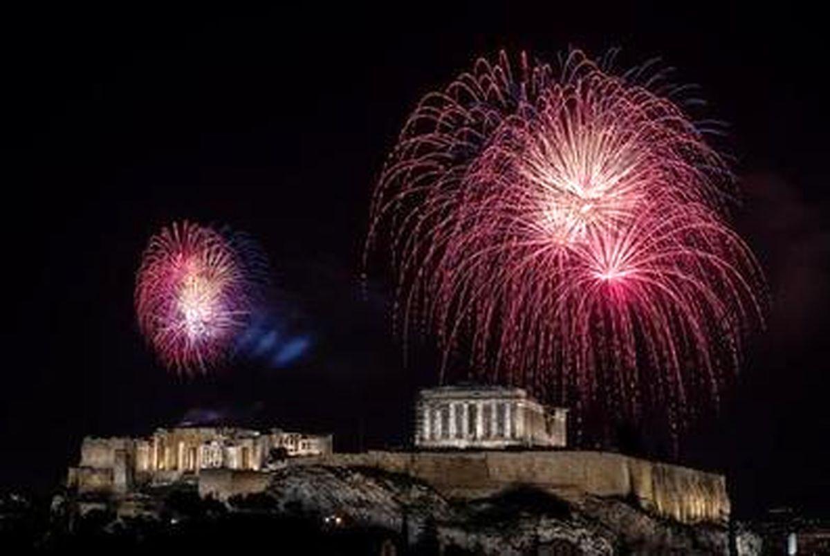 تصاویری زیبا از جشن سال نو و آتش بازی در سراسر جهان