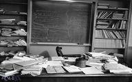 تصویر دفتر کار اینشتین که چند ساعت قبل از مرگ ترکش کرده بود+عکس
