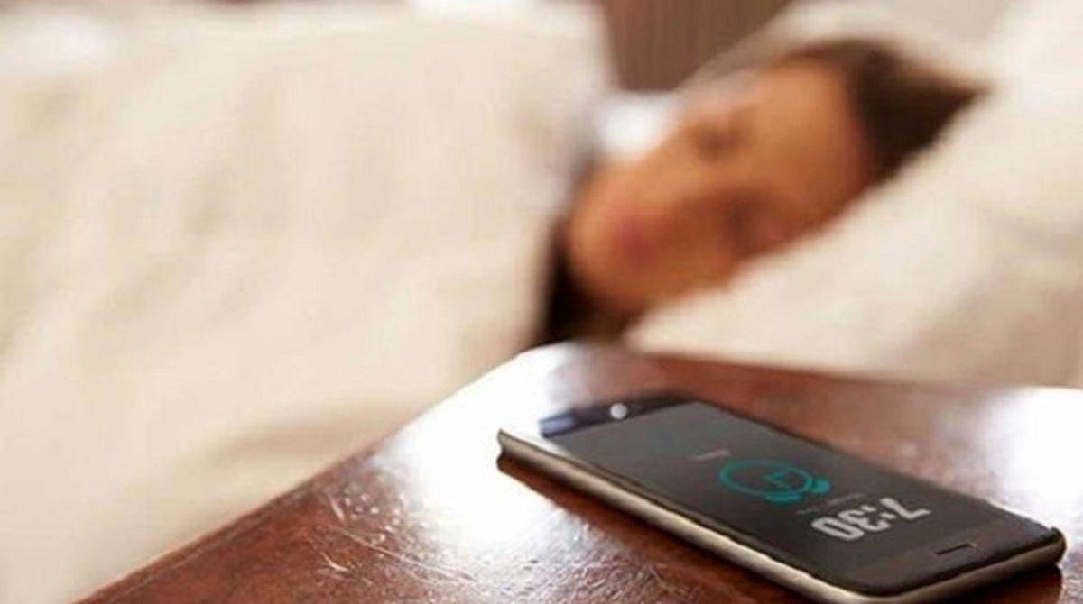 اگر با زنگ موبایل بیدار می شوید، حتما بخوانید