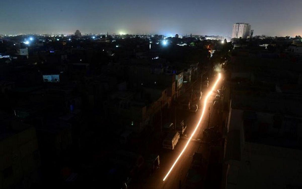قطع برق صدای پلیس را هم در آورد/ برق چراغ های راهنمایی هم قطع می شود!