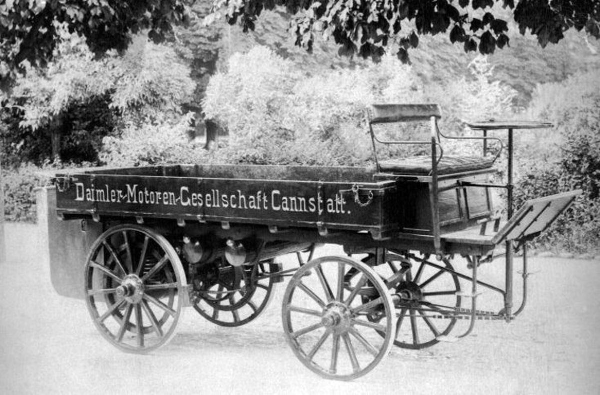 اولین کامیون ساخته شده در دنیا را ببینید