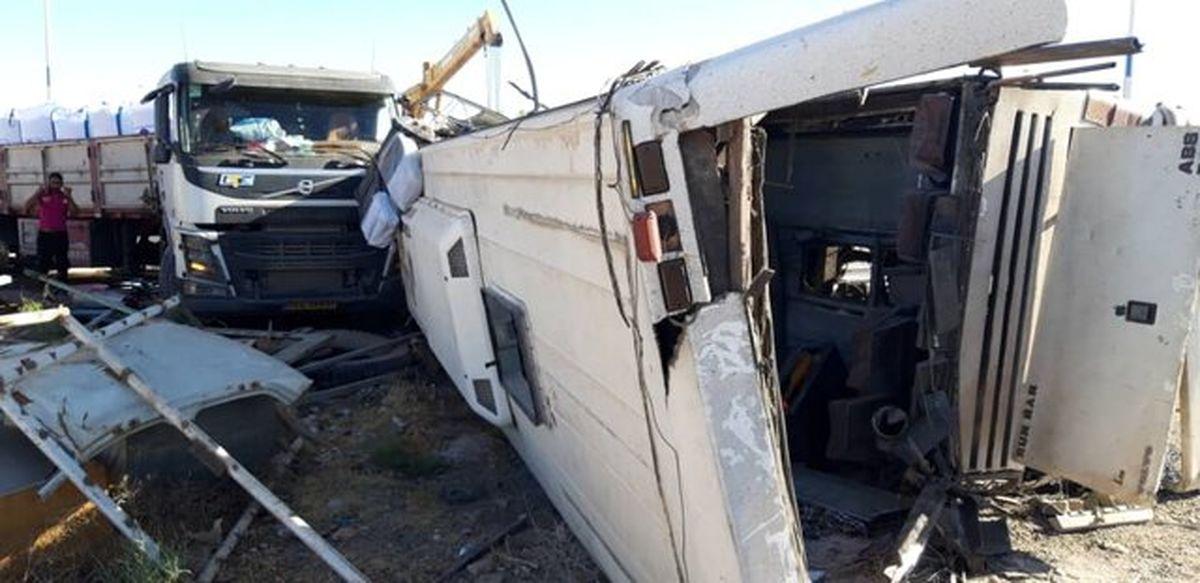 دستور سرلشکر باقری برای بررسی حادثه واژگونی اتوبوس سربازان