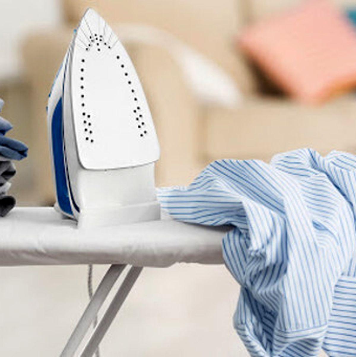 ترفند از بین بردن برق اتو روی لباس