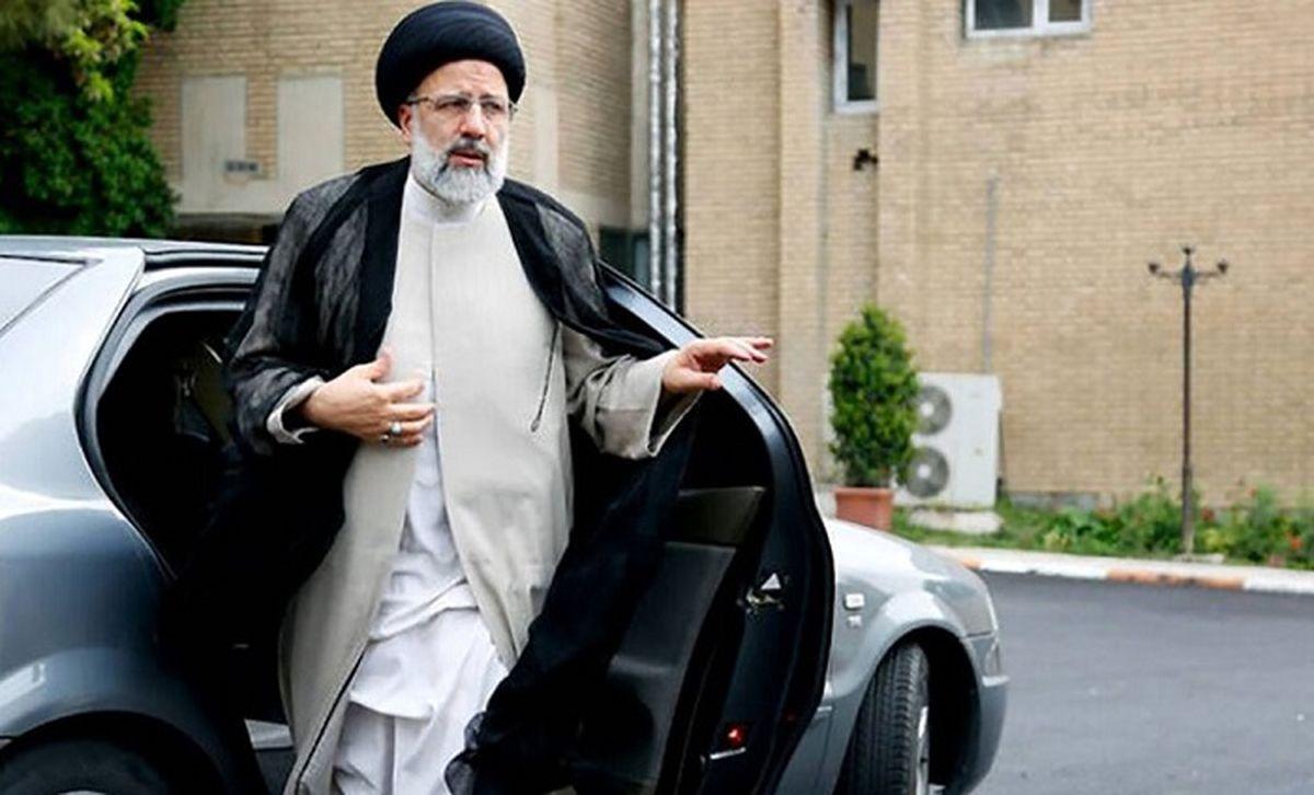 عکس دیده نشده از پوشش متفاوت ابراهیم رئیسی در دوران جوانی
