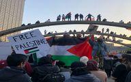 تصاویر رهبر انقلاب، امام خمینی و سیدحسن نصرالله در آمریکایی