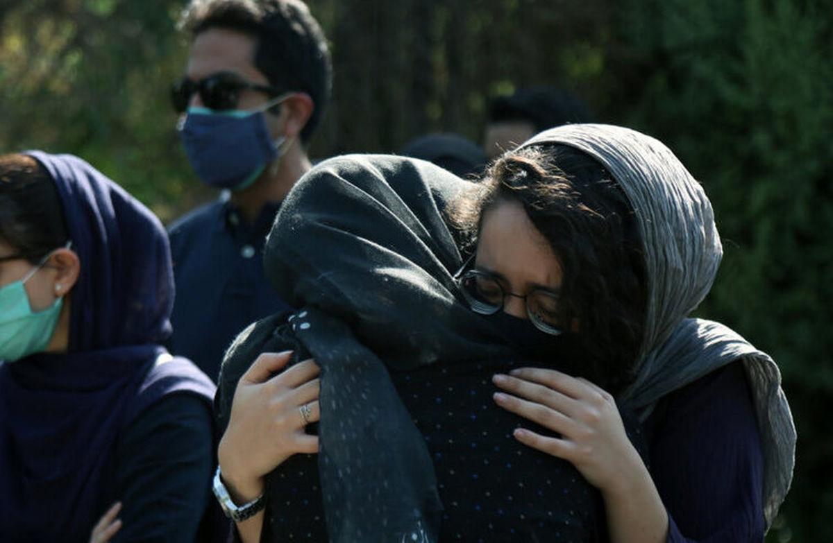 تصاویر تشییع و تدفین دو بانوی خبرنگار فقید