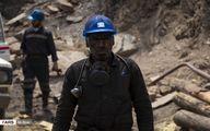 تصاویر تلخ از تیم نجات معدنچیان بعد از پیدا شدن پیکر دو جوان محبوس