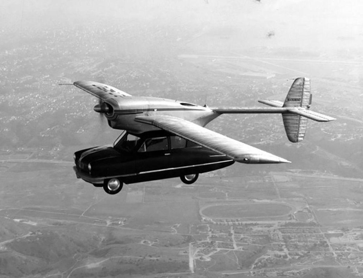 عکسی قدیمی و عجیب از ماشین پرنده و تاکسی پهپادی!