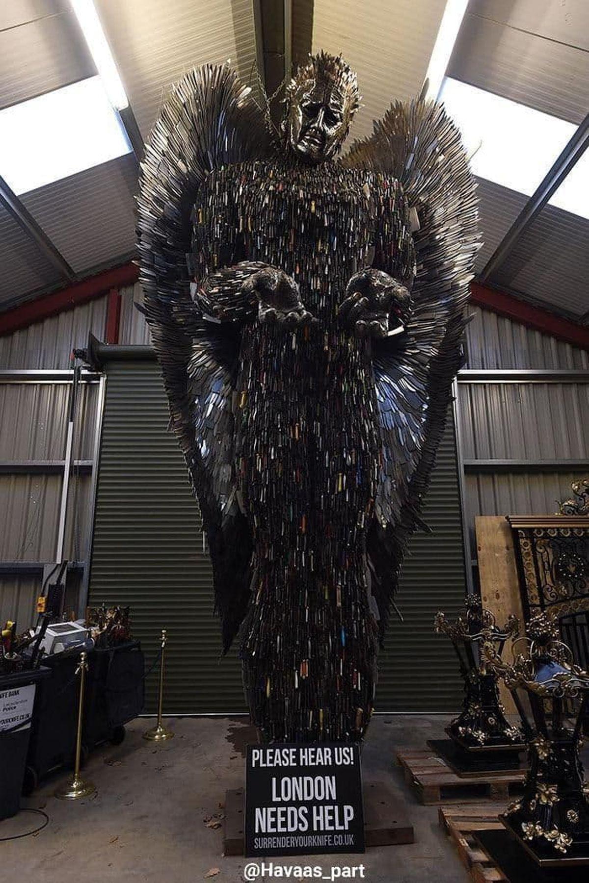 مجسمهای به اسم فرشته چاقوها+عکس