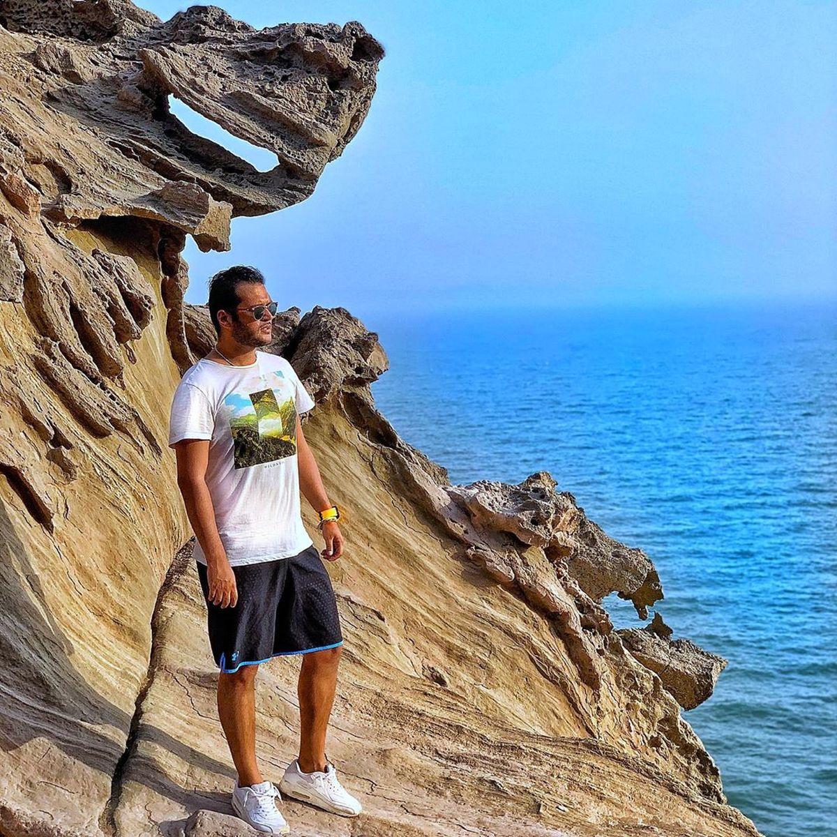 تیپ کنار ساحل سیاوش خیرابی و نیما شاهرخ شاهی  را ببینید + عکس