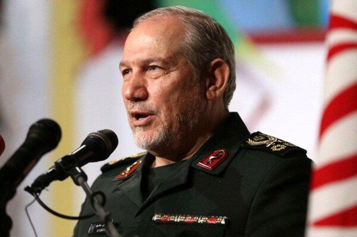 سرلشکر صفوی تهدید کرد: ایران قادر است ناوهای آمریکایی را ظرف چند ساعت تبدیل به زیردریایی کند