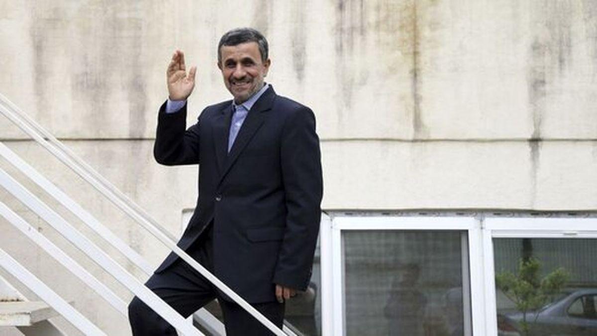 جنجال دوباره احمدینژاد: با میرحسین موسوی دوست هستم!