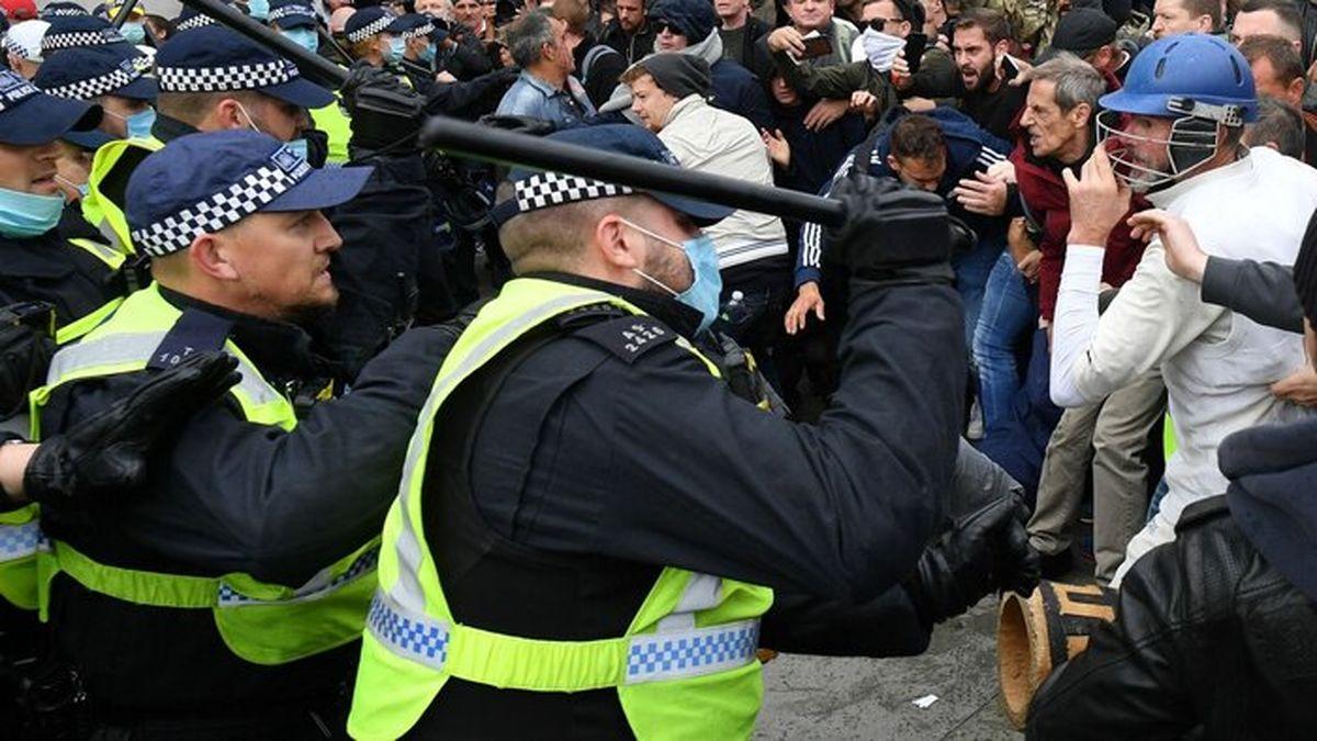 درگیری پلیس با تظاهرکنندگان در لندن