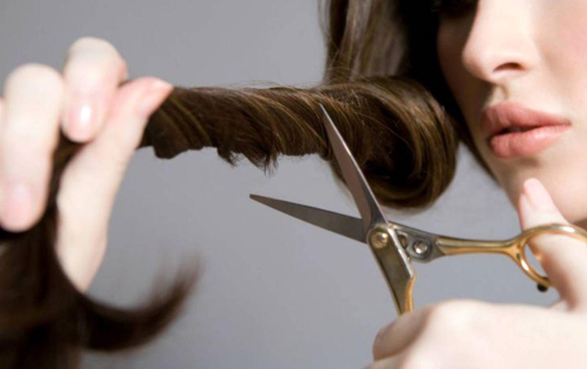 ۸ کاری که باعث آسیب رساندن به موهای تان می شود!