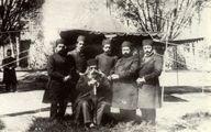 عکسی نایاب از مظفرالدین شاه در کنار پسرانش