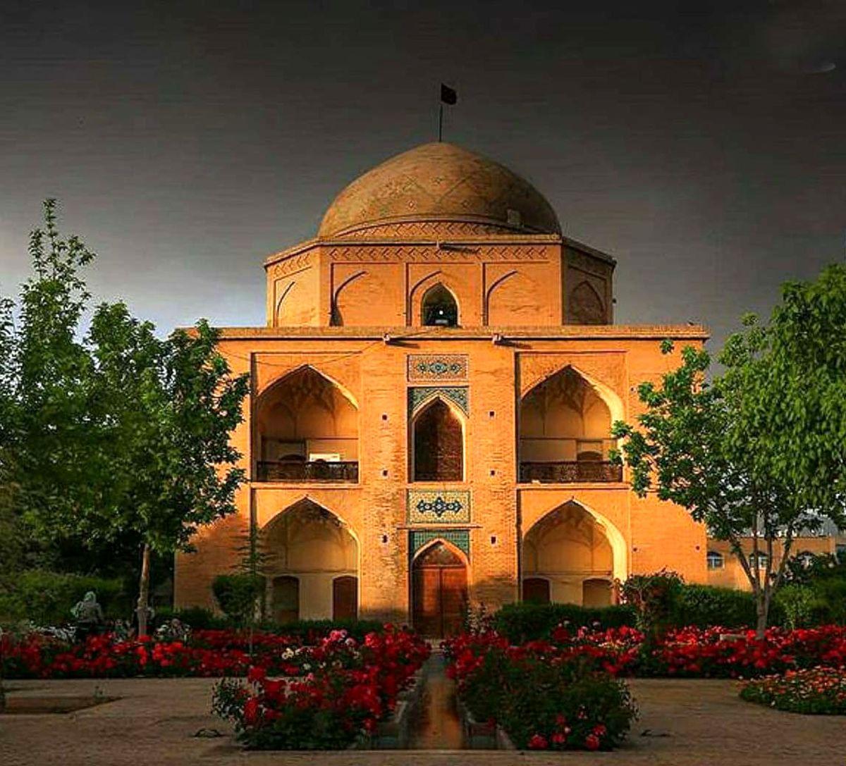 آرامگاه بیبی دختران، گذر سنگ سیاه شیراز