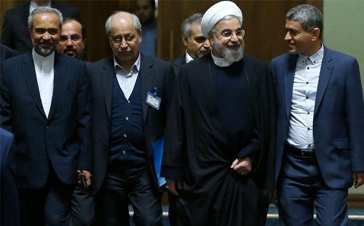 سکوت معنادار مسعود نیلی درباره اشتغالزایی دولت روحانی