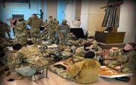 عکس جالب از پیتزا خوری نظامیان آمریکایی در کنگره!