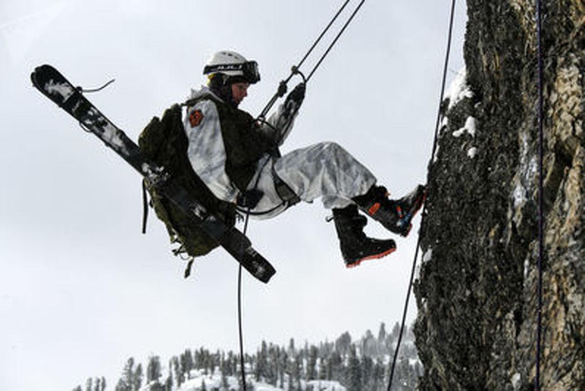 مسابقه کوهنوردی - اسکی ارتشی به نام «مارش سیان» در روسیه+عکس ها