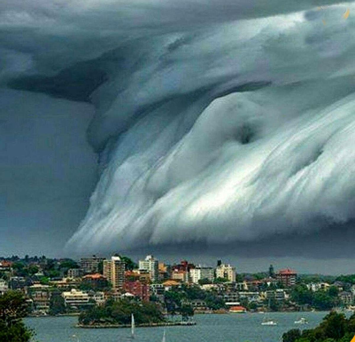 عکس کمتر دیده شده از سقوط یا سونامی ابرها