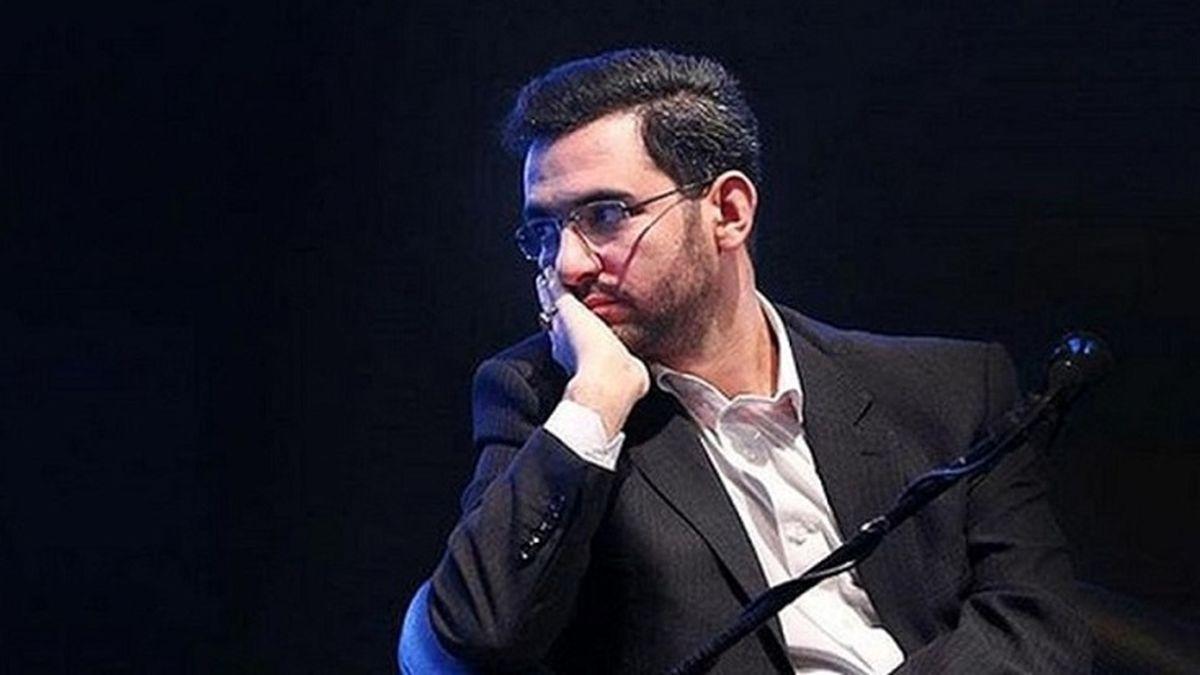 اتهام جدید آذریجهرمی چیست؟ / شعار «نه شرقی نه غربی» دردسر جدید وزیر ارتباطات