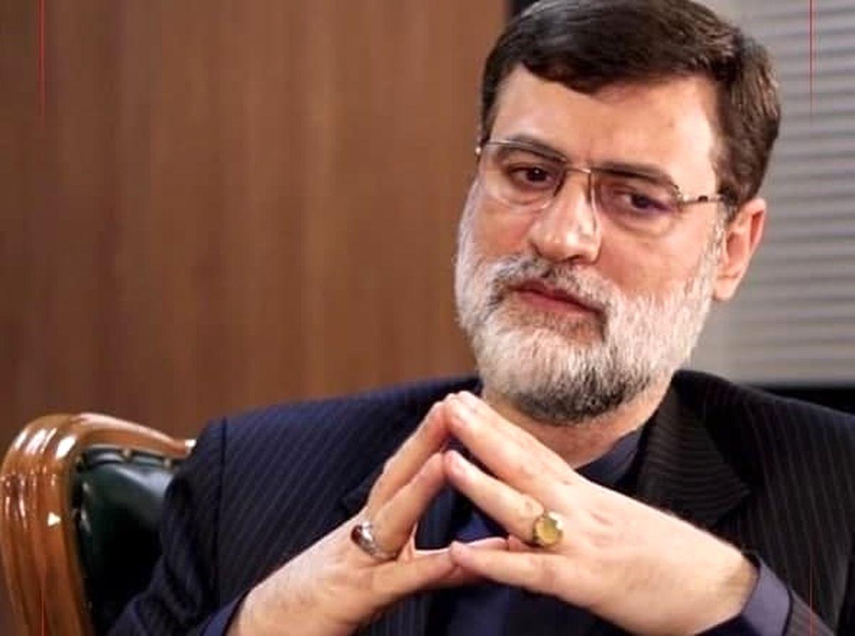قاضیزاده: دولت زانویش را از گردن مردم بردارد