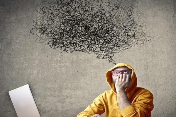 چگونه از شر افکار منفی خلاص شوید؟