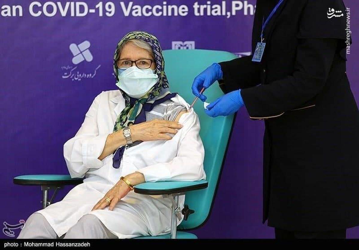 لحظه تزریق نخستین واکسن کووایران برکت به مینو محرز + جزئیات