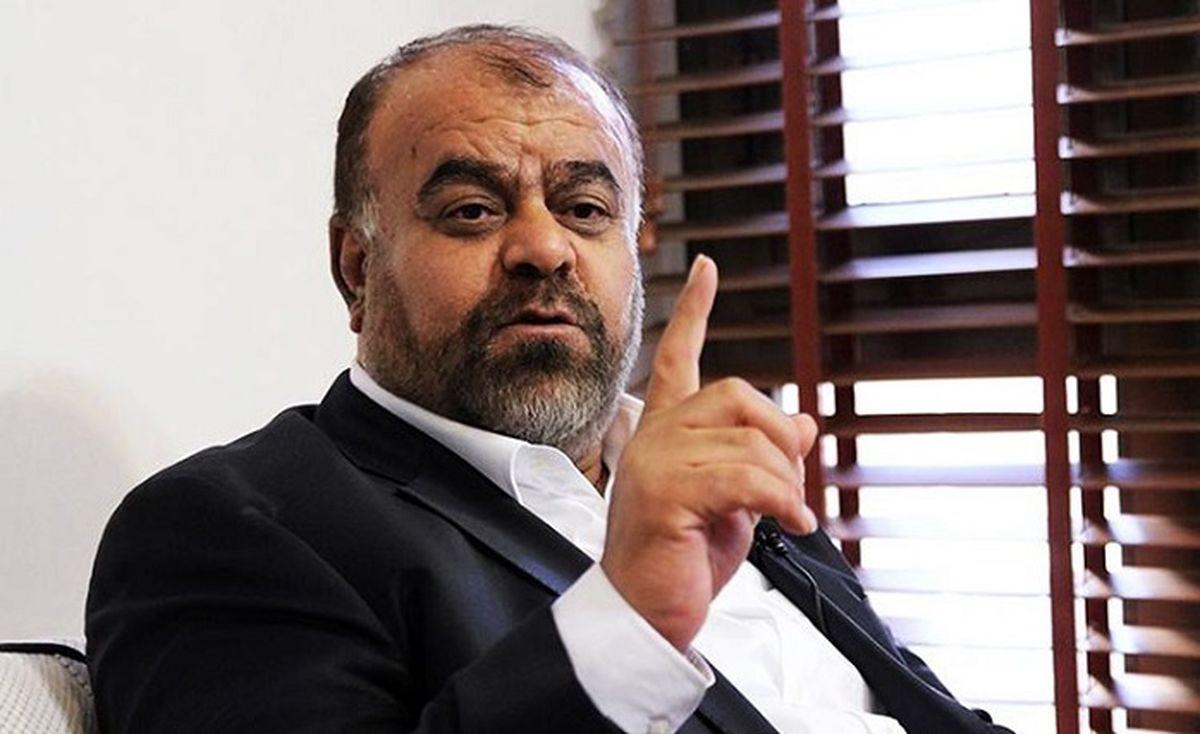 صف احمدی نژادی ها طولانی تر شد