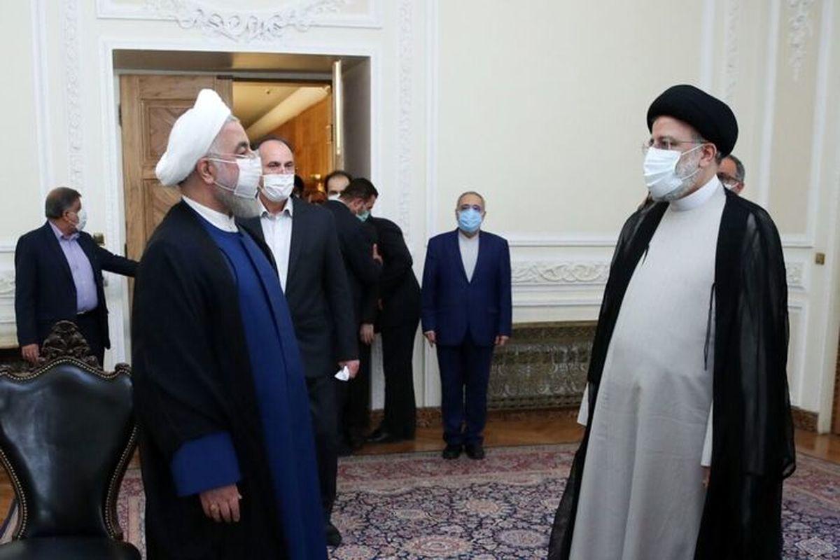 رئیسی دفتر کارش را از روحانی تحویل گرفت عکس