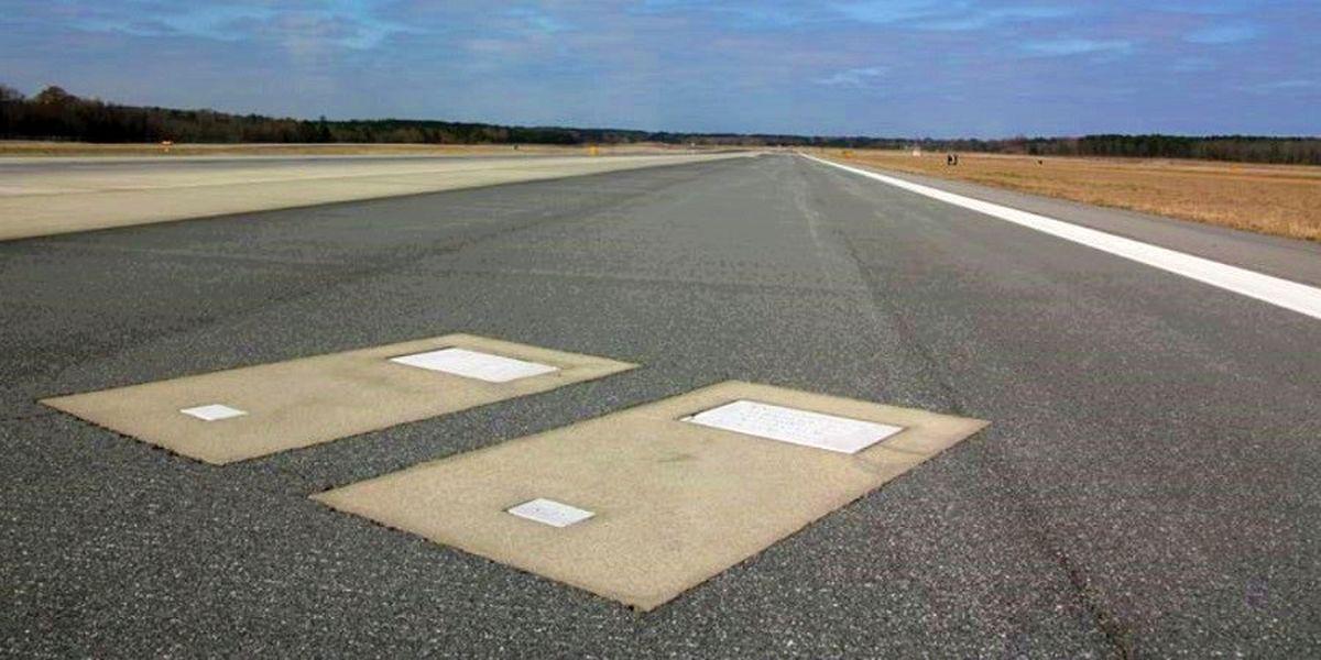 فرودگاهی که دو نفر را وسط باندش دفن کرده اند!