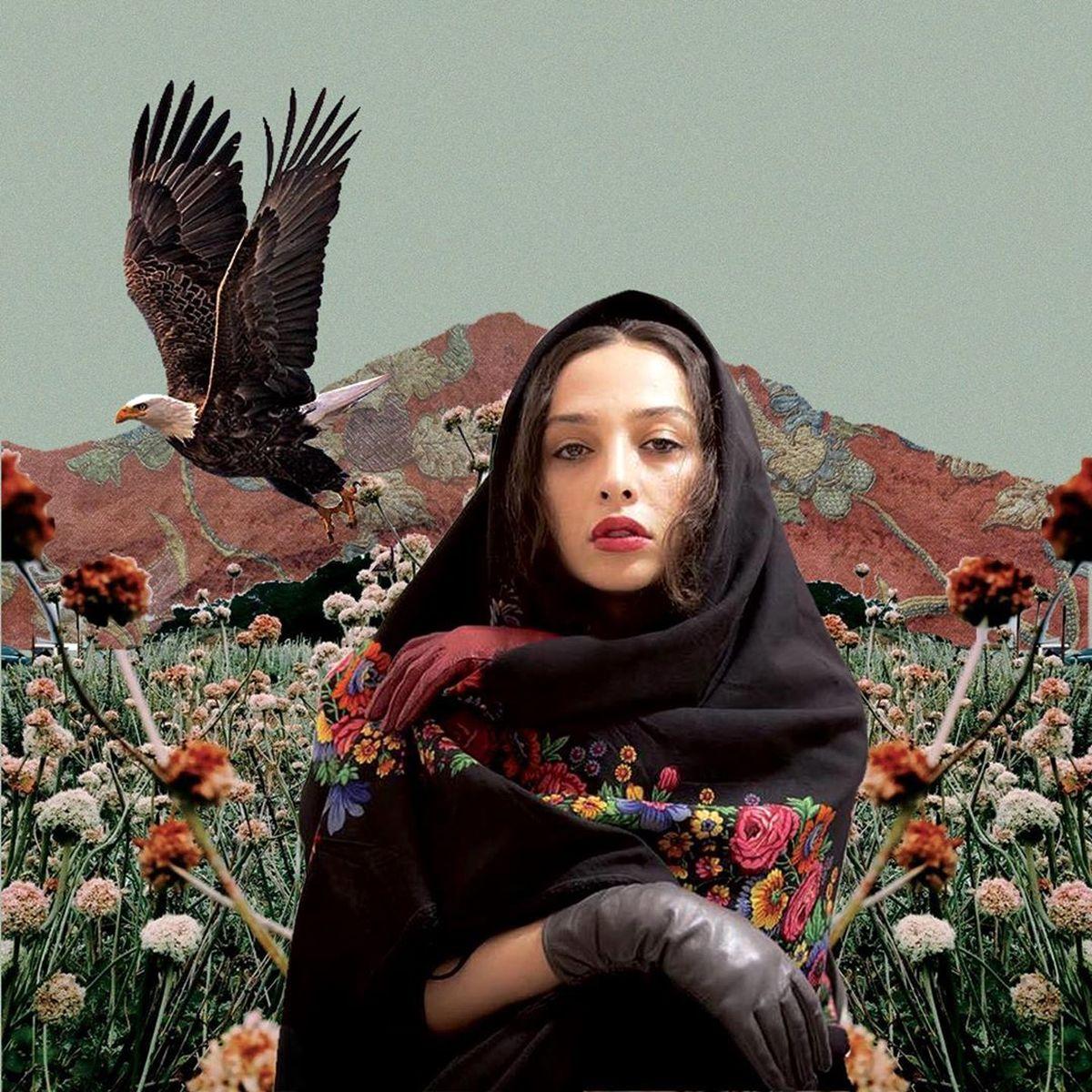 چهره جالب آناهیتا درگاهی با چارقد گلدار + عکس