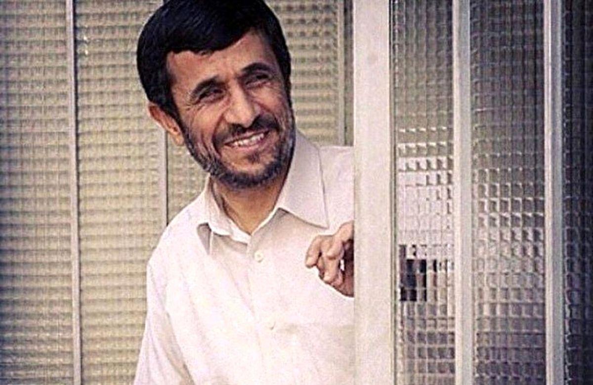 دریافت چراغ سبز برای بازگشت به پاستور؛ احمدینژاد کجای انتخابات ۱۴۰۰ ایستاده است؟